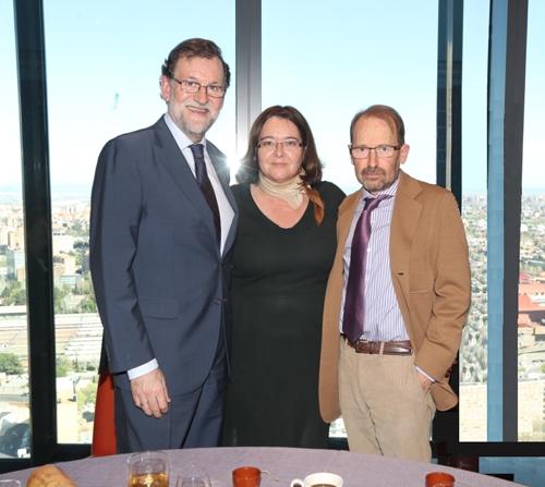 El Presidente del gobierno con Rosa Algarrada y Jesús Alonso